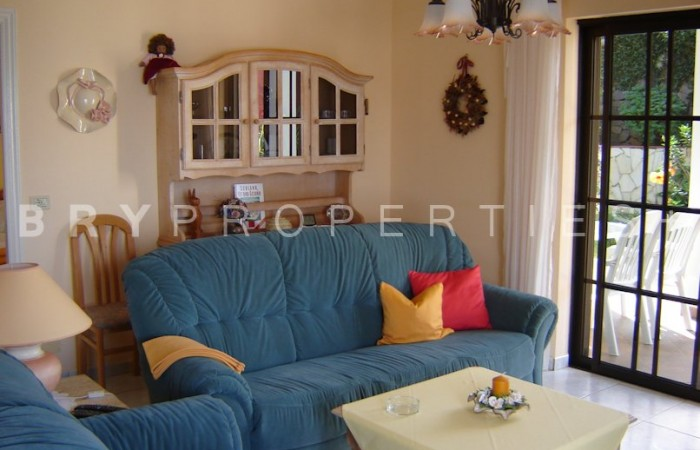 C3302. Immaculate house with views in Puntillo del Sol.