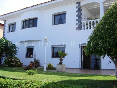 C3302. Immaculate house with views in Puntillo del Sol