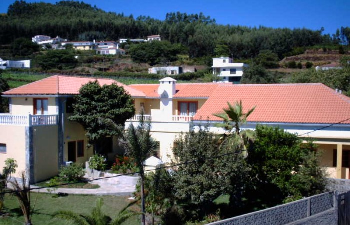 C3443. Rural hotel / Family House in La Esperanza.