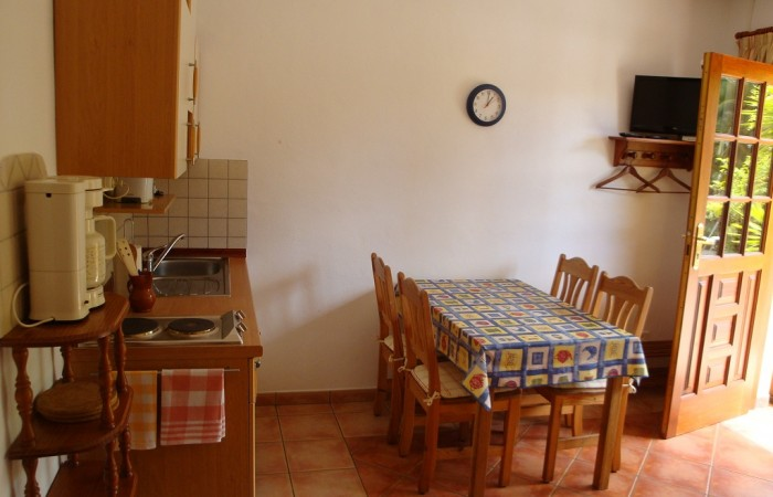C3443a. Rural hotel / Family house in La Esperanza.