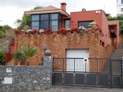 C3458. Detached house with apartment in the centre of El Sauzal