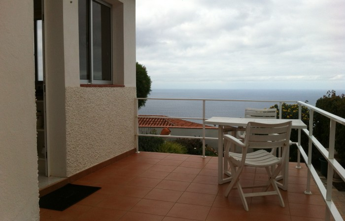 C3467. Detached house with pool and sea views.