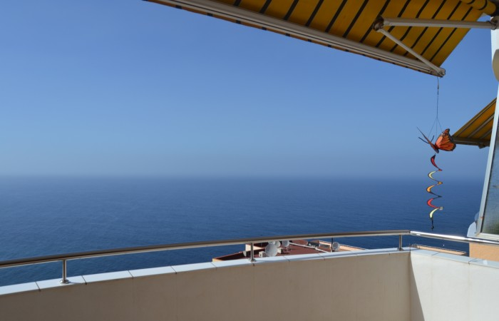 A1235. Apartment with fantastic views and large terrace.
