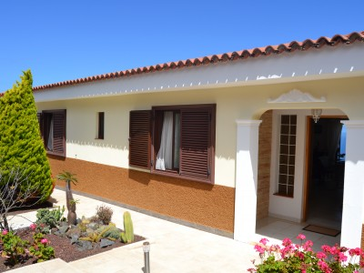 C3479. Quality, spacious house with pool and spectacular views