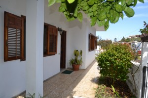 C3476. Ideal family house in quiet cul de sac with views of Teide and the ocean.