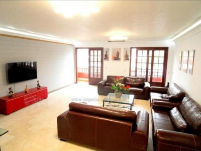 A1240. Spacious 4 bedroom apartment in the centre of Puerto de la Cruz